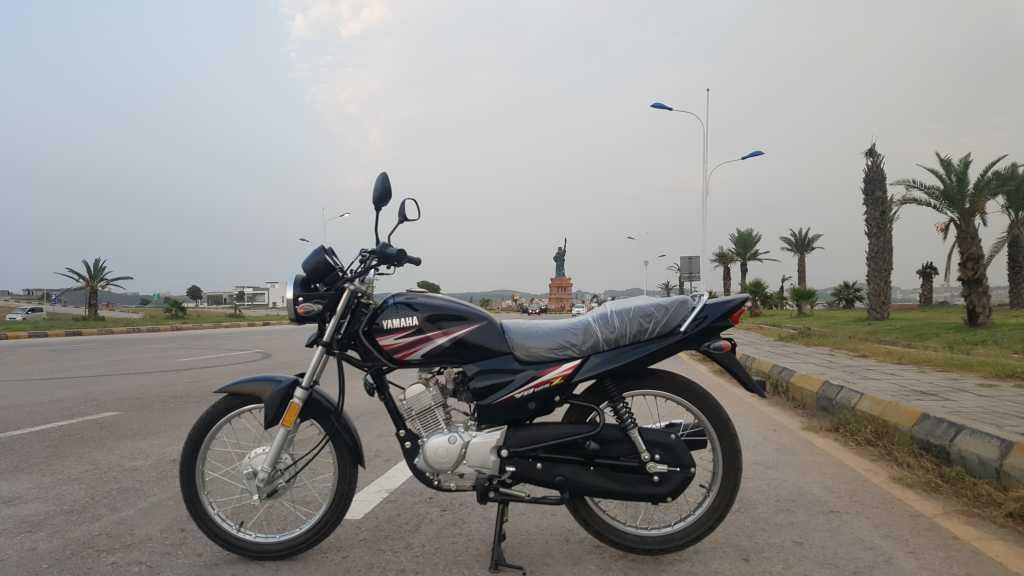 Honda CG 125 vs Yamaha YB 125Z